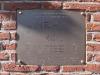 hoofdgebouw-gedenkplaat.jpg